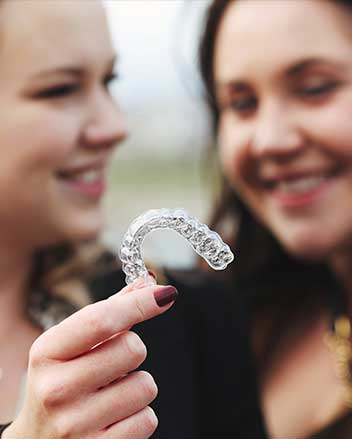 K LINE CLEAR ALIGNERS